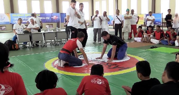 Seminarium Koluchstyl w Dżakarcie ( VIDEO )