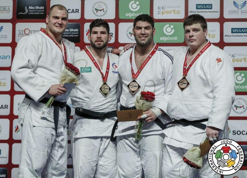 Grand Slam w Abu Dhabi: srebrny krążek Macieja Sarnackiego